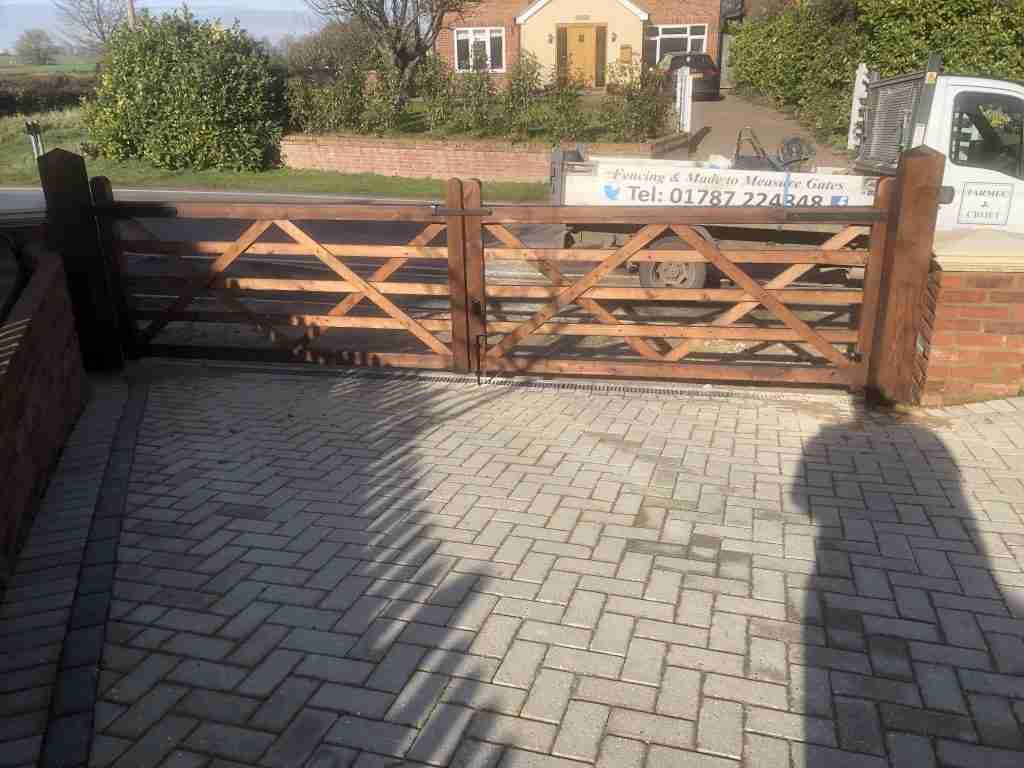 5 bar driveway gates - tarmec and croft fencing and gates ltd 010787 224848