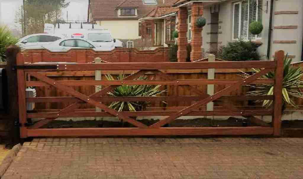 Hardwood 5 Bar Gate solid bottom rail Tarmec and Croft 01787 224848