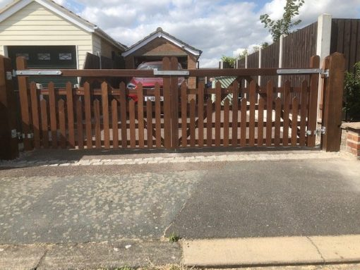 driveway picket 5 bar gates - field gates tarmec and croft fencing and gates ltd 01787 224848