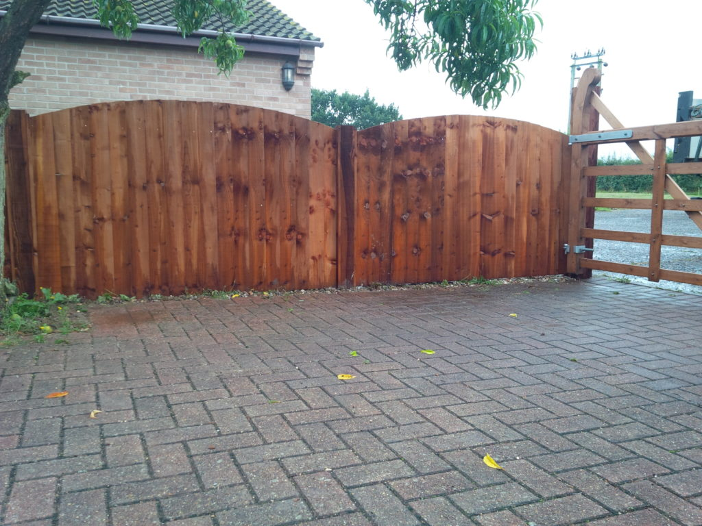 Bow Top fence Panles Colchester Tarmec and Croft fencing and Gates - 01787 224848