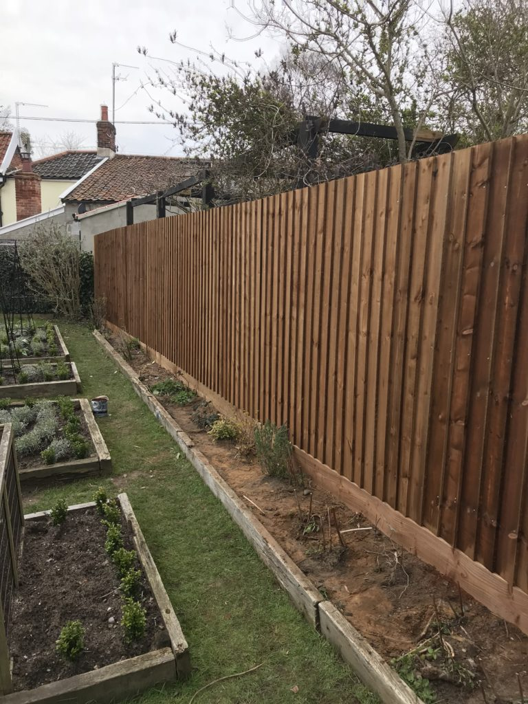 Running Closeboard fencing Tarmec & Croft 01787 224848