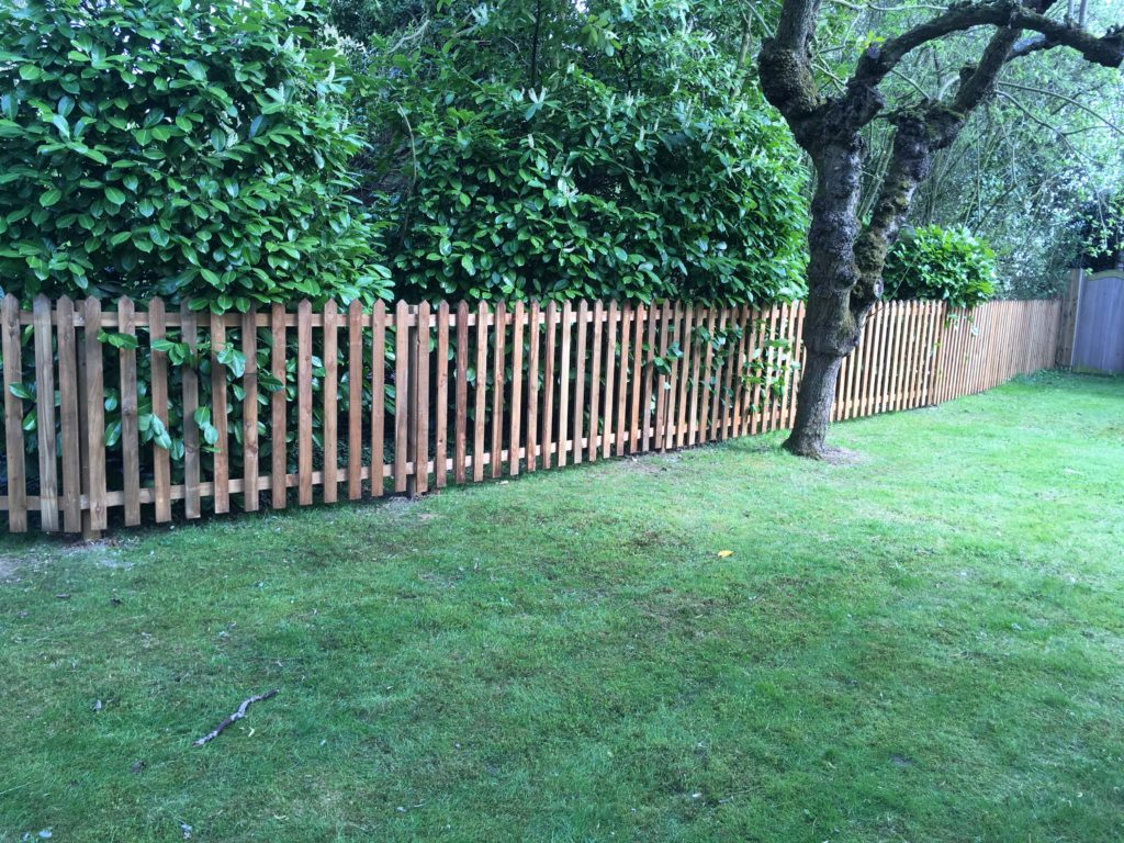 pointed picket fence pannels - Sudbury - Tarmec and Croft fencign and gates 01787 224848