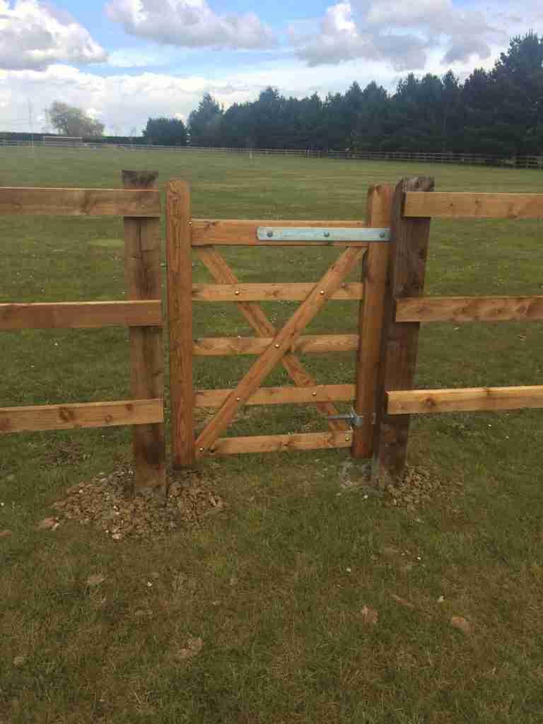 5 Bar Gates in Post and Rail Tarmec and croft 01787 224848