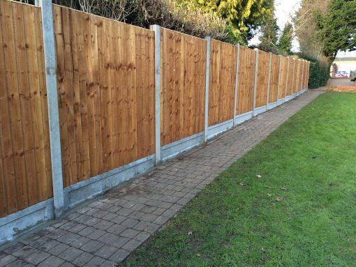 Closeboard Panels on Concrete Tarmec and Croft fencing and gates ltd 01787 224848