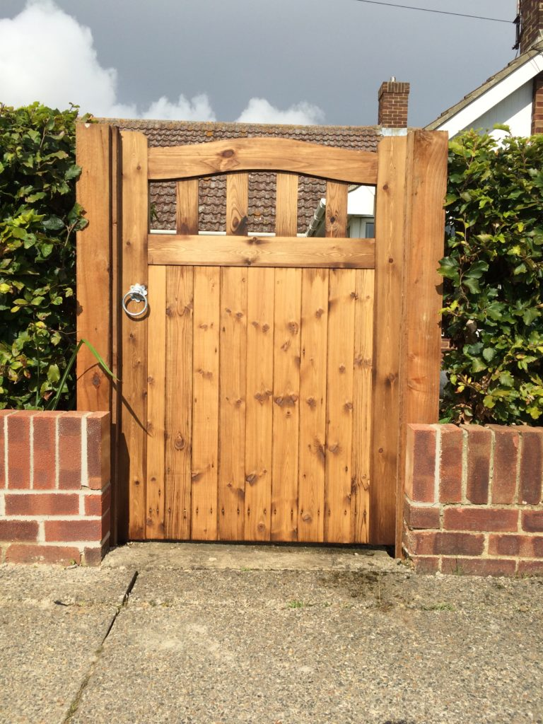 Colne Valley Slattet Bow Top Tarmec and Croft fencing and gates 01787 22488