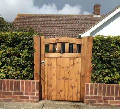 Colne valley side gate icon tarmec and croft fencing and gates 01787 224848