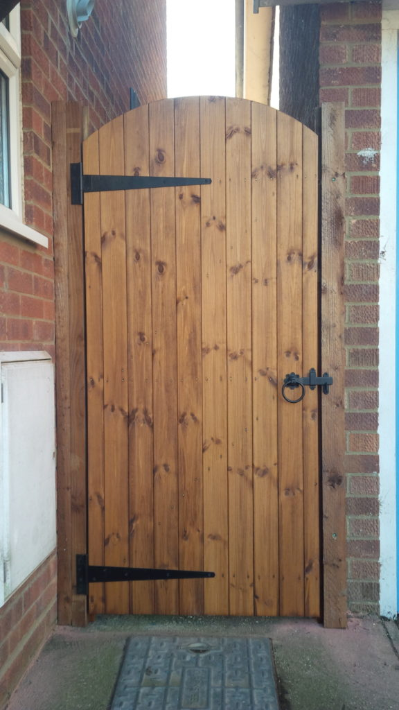 Hasltead TGV Clad arch top gate opening outwrds Tarmec and Croft Fencing and Gates 01787 224848