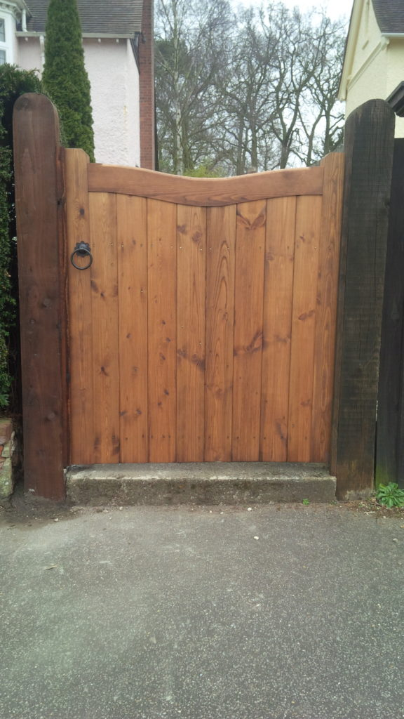 Inverted arch top side gate Braintree Tarmec and Croft Fencing and Gates 01787 224848
