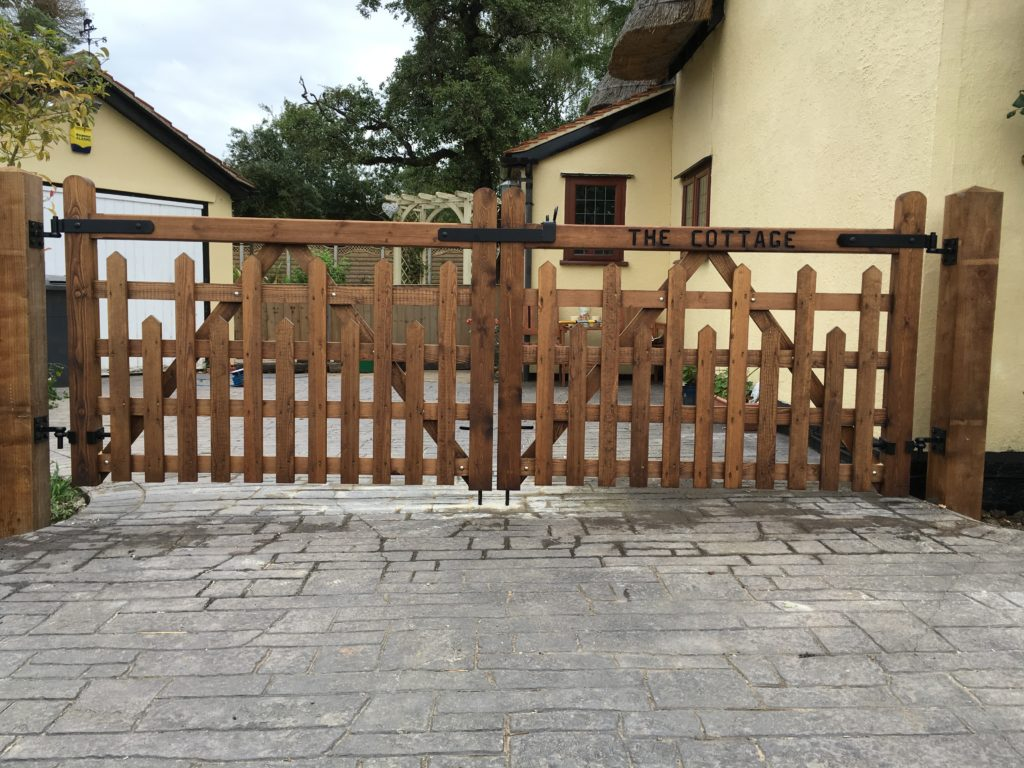 Picketed Field Gates Tarmec and Croft fencing and gates 01787 224848