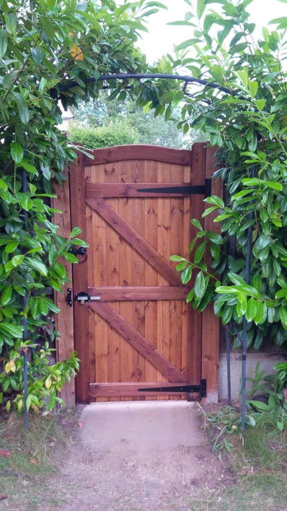 Rear of Essex Side Gate Made to measure Tarmec and Croft Fencing and Gates 01787 224848