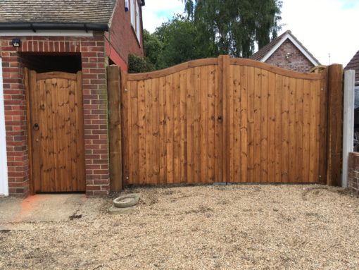Bow Top essex Gate automated with matching side gate Tarmec and Croft