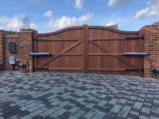 Essex hardwood driveway gates tarmec and croft fencing and gates 01787 224848 a