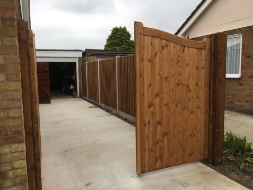 Fully enclosed Garden with solid timber driveway gates Tarmec & Croft 01787 224848