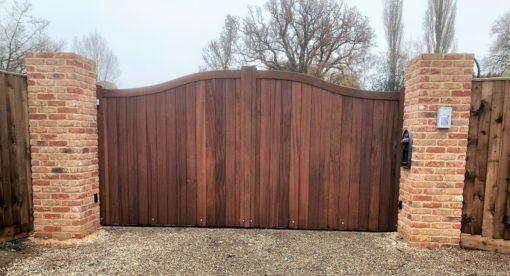 Hardwood Driveway Gates Colchester - Tarmec and Croft 01787 224848 (1)