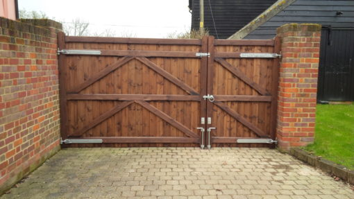 Suffolk Straight top driveway gate Colchester Tarmec and Croft Fencing and Gates Ltd