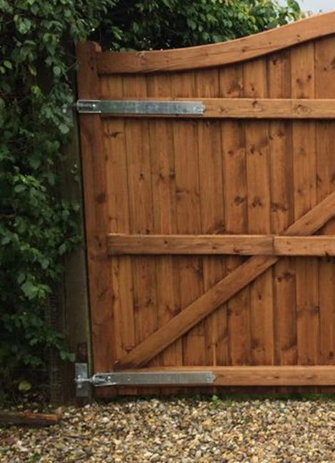 adjustable hook and band galvanised on softwood gate - tarmec and croft fencing and gates 01787 224848
