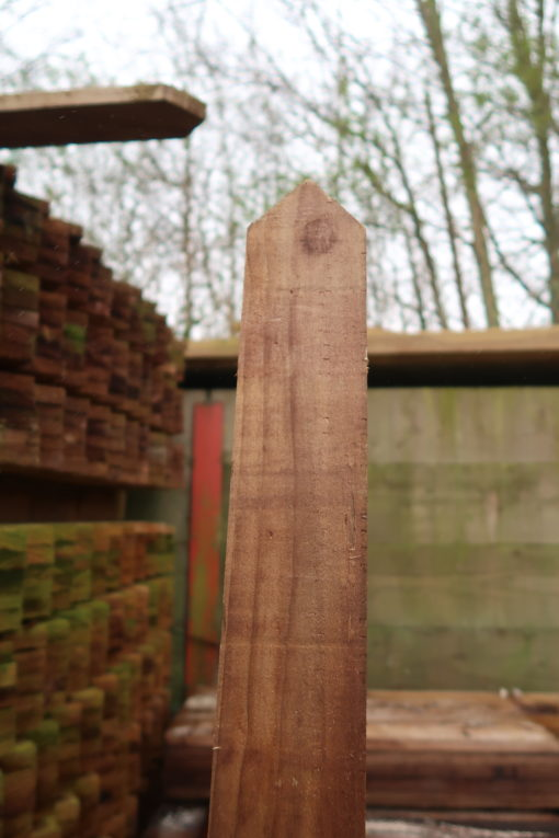 top view pointed picket pales - timber fencing supples - tarmec and croft fencing and gates ltd 01787 224848