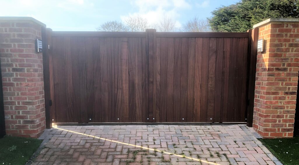 Suffolk Gates Straight Top Hardwood Driveway Gates Tarmec and Croft fencing and Gates Ltd